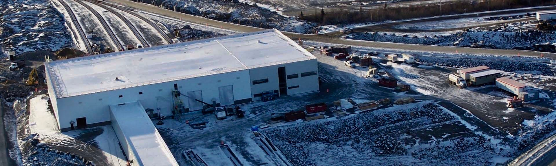 Vue des travaux de constrution de l'usine d'ArcelorMittal Canada, Port-Cartier, Québec
