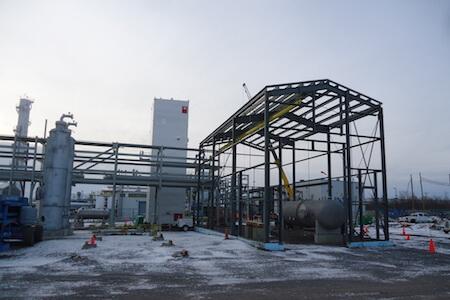 Vue de travaux de construction d'une structure en acier