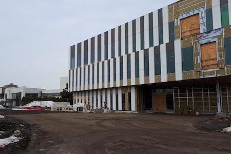 Bâtiment pour la production pharmaceutique en construction