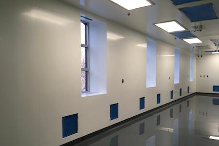 Vue des installations d'un nouveau laboratoire de recherche