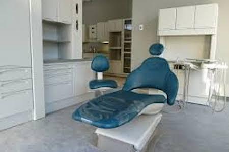 Aménagement d'une salle à la Clinique d'orthodontie de la Faculté de médecine de l'Université de Montréal