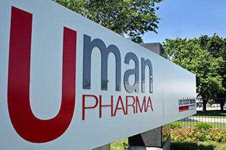Affiche extérieure de l'usine Uman Pharma, Candiac, Québec
