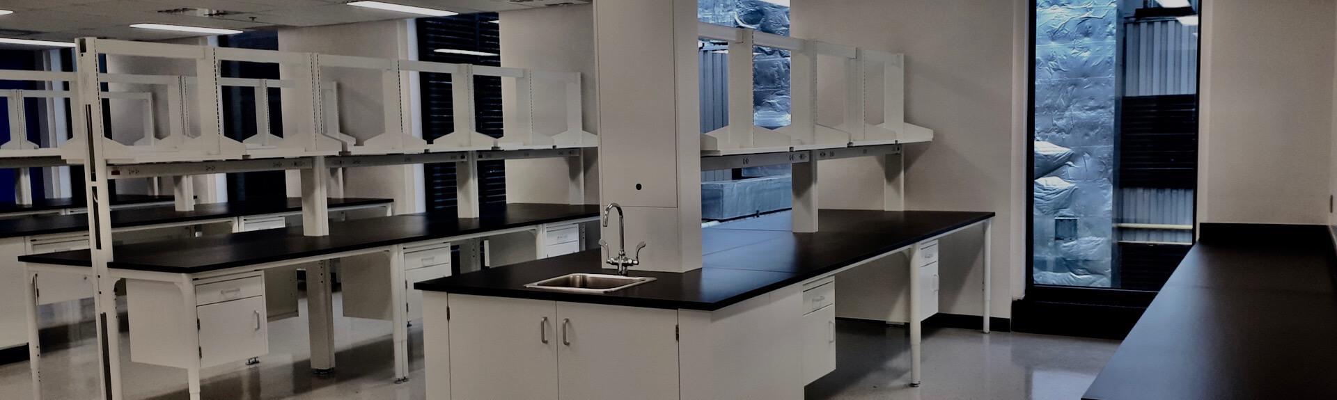 Aménagement de mobilier dans un laboratoire de recherche